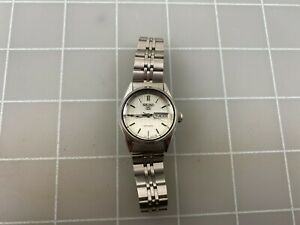 Vintage Seiko 5 Automatic Day Date 2906-0421 Stainless Steel Ladies Watch RUNS