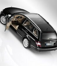 Mercedes-Benz T-Modell Elegance S204 black obsidian 1:18 AutoArt Dealer