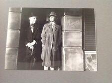 """CHARLIE CHAPLIN MARYLIN NASH - """"MONSIEUR VERDOUX """" - PHOTO DE PRESSE  13x18cm"""
