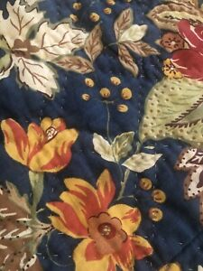 POTTERY BARN REVERSIBLE FLORAL RED/BLUE/TAN FULL/QUEEN QUILT