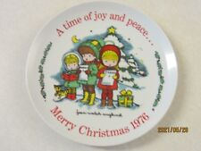 Joan Walsh Anglund Christmas 1976 First Edition Collector Plate White Joy Peace