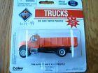 Boley HO 185-403499 International 2-Axle Long Closed Stakebed Truck