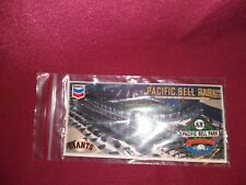 2000 SAN FRANCISCO GIANTS PACIFIC BELL PARK INAUGURAL STADIUM PIN & CARD NEW