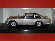 Hot Wheels 1/18 Aston Martin BD5 Goldfinger 007 James Bond MIB