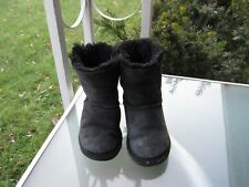 Ugg Australia Bailey Bow Black Classic Winter Boots, KIDS Girls size 11