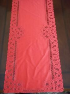 LACE TABLE RUNNER RED FLORAL 36 X 14 HOME DECOR RTRF586