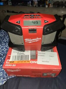 Milwaukee M12 Cordless Job-Site Radio - Tool Only