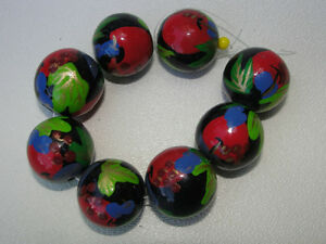 Rare Hand Painted VINTAGE Wooden Beads 20mm Round 8 pc.