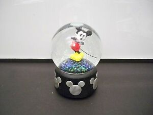 """DISNEY ENESCO GLITTER MICKEY MOUSE SNOWGLOBE MUSICAL """"MICKEY MOUSE THEME SONG"""""""