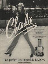 Publicité Advertising Charlie un parfum très original de REVLON