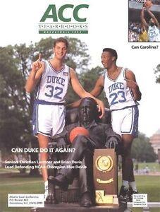 1992 ACC BASKETBALL YRBK (CHRISTIAN LAETTNER, BRIAN DAVIS DUKE CVR, DEAN SMITH +