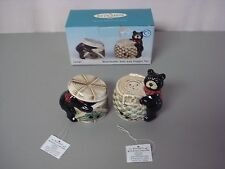 NIB Young's Inc. Kitchen Creations Bearfootin Salt & Pepper Shakers #113Z