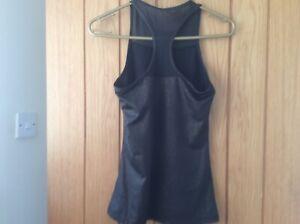 Ladies Ellesse Fitness/gym Top Size 10 black/gold racer back