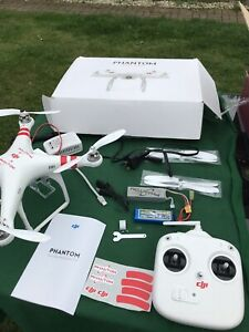 DJI Phantom 1 - Model P330D - With Controller, Battery & Charger In Box Untested