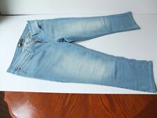 levis jeans cropped.