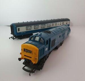 Triang Hornby R751 Early Version D6830 Diesel OO Gauge Locomotive With Carriage