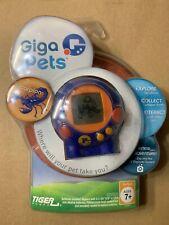 Giga Pets Scorpion Blue Tiger Games 2006 Hasbro Hand Held Key Chain NIP