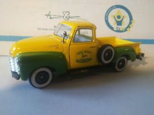 Nice Rare John Deere 1/43rd Scale 1950 Chevrolet 3100 Truck With Green Fenders