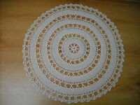 CIRCULAR BEIGE TABLE MAT IN LIGHTWEIGHT COTTON MIXTURE