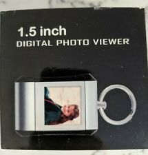 1.5 inch Digital Photo Viewer key chain built-in rechargeable Lithium battery