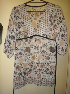 CROSSROADS SHEER TUNIC TOP LADIES SIZE 12 GREAT CONDITION