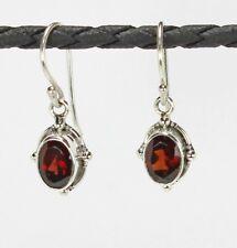 Zierliche Ohrringe / Ohrhänger aus Silber 925 mit echtem Granat