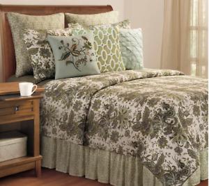 C&F Home 100% Cotton Reversible Striped Quilt - Full/ Queen Green Ezmerelda