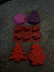 Ernesto Cassetti silicone cake baking moulds bundle Christmas