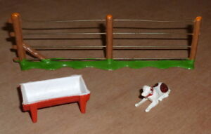 very rare EG TOYS Ezio Guggiari dog , fence and feed trough vintage