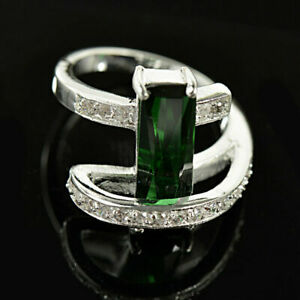 Spectacular Engagement & Wedding Sweeping Ring 14K White Gold 4.0 Ct Emerald