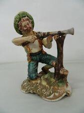 Statua di porcellana Brigante con fucile Scuola italiana Capodimonte OMA19