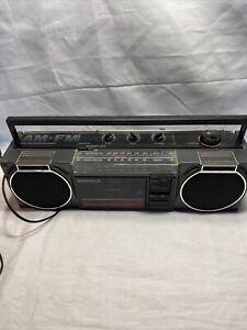 Vintage Magnavox Boombox Ghetto Blaster Cassette Player AM/FM Radio M5