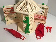 Strawberry Shortcake Garden House Gazebo 1981 kenner