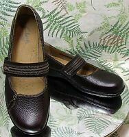 CLARKS BROWN LEATHER LOAFERS SLIP ONS MARY JANES COMFORT SHOES WOMENS SZ 7.5 M
