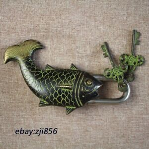Chinese old bronze carving fish Statue lock-up Key