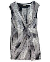 Jacqui E Women's Sz Large Black White Grey Sleeveless Knee Length Stretch Dress