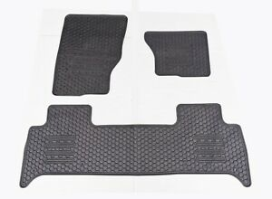 Rugged Rubber Floor Mats Tailored for Land Rover Discovery 5 2017-21 OE shape