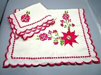 """Vintage Pillowcase Set of 2 Embroidered Bold Pink Flowers & Edging  29"""" x 18"""""""