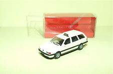 VW PASSAT BREAK Blanc Crème TAXI HERPA 1/87 HO