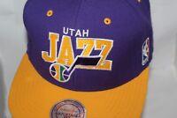 c30da1f12ca Toronto Raptors Mitchell   Ness NBA Arch Logo Red Snapback Hat Cap ...