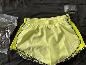 Nike Women Dri-Fit Shorts - Medium