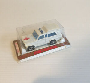 MAJORETTE JEEP CHEROKEE AMBULANCE MADE IN FRANCE