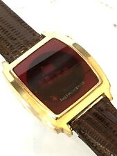 RARE MENS GOLD TONE TEXAS INSTRUMENTS Model 104 Red LED Watch For Repair