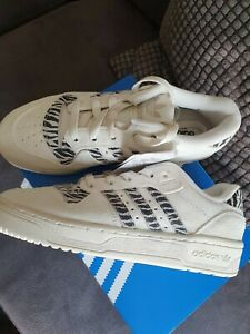 Adidas Originals Rivalry Low Trainers Size 5 Brand New