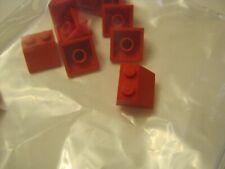 Lego Lot of 13 Red 2x2 Slopped Bricks (028-83)