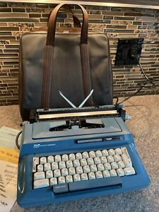 Vtg. Smith Corona Sterling Automatic 12 Touch Teal Electric Typewriter W/ L.Case