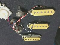 Cream Relic Vintage 1980s Set Single Coil Guitar Pickups and Harness for Strat