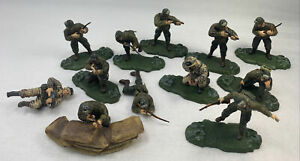 Lot of Army Men  Unimax US Army Modern Infantry Figures Accessories 2003