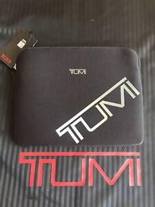 💻 RARE Tumi ipad/tablet case 💻