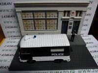 D Voiture + diorama 1/43 IXO : TEST métiers de france : Peugeot J7 police